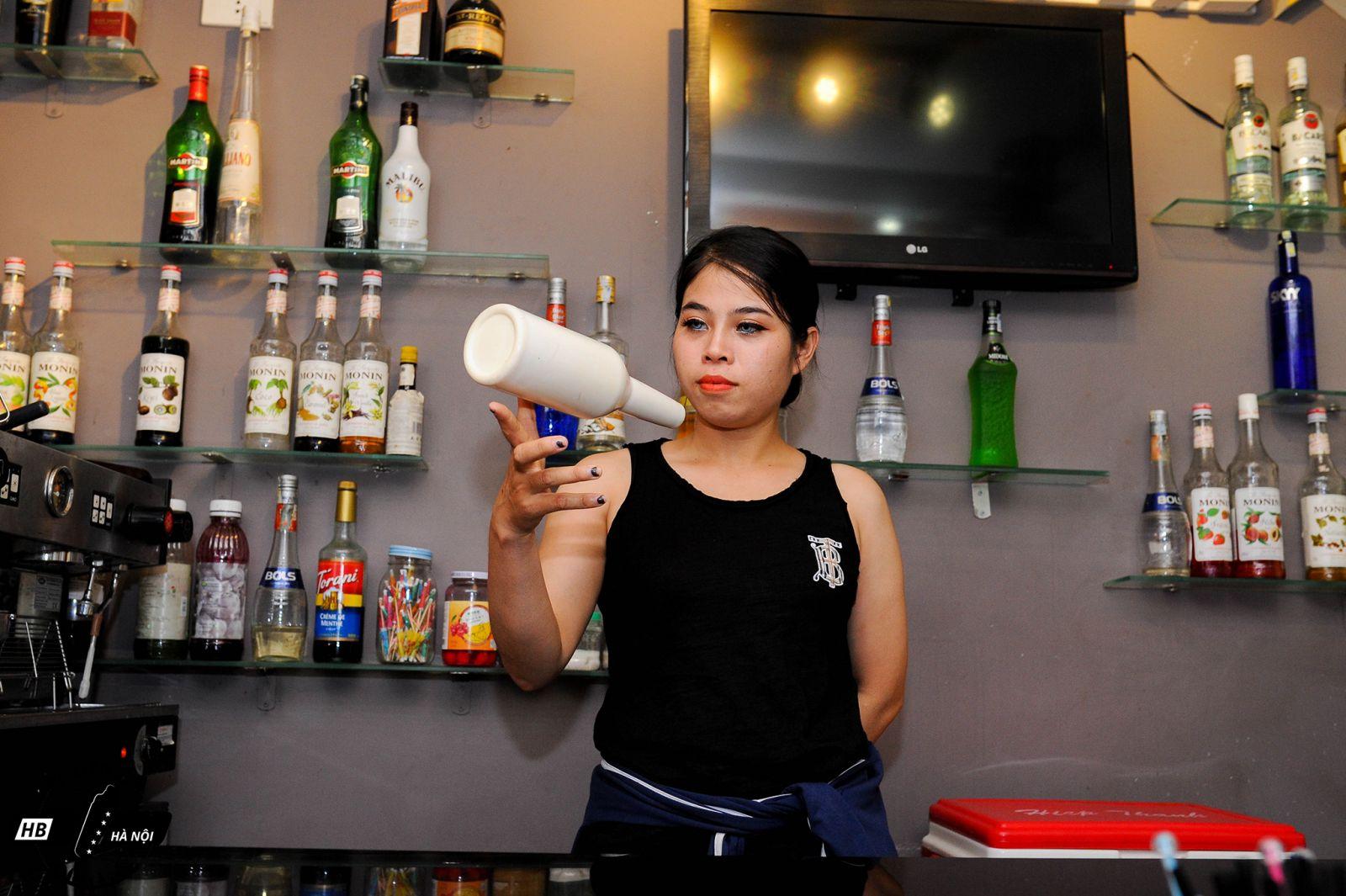 trung tâm dạy pha chế Bartender HB