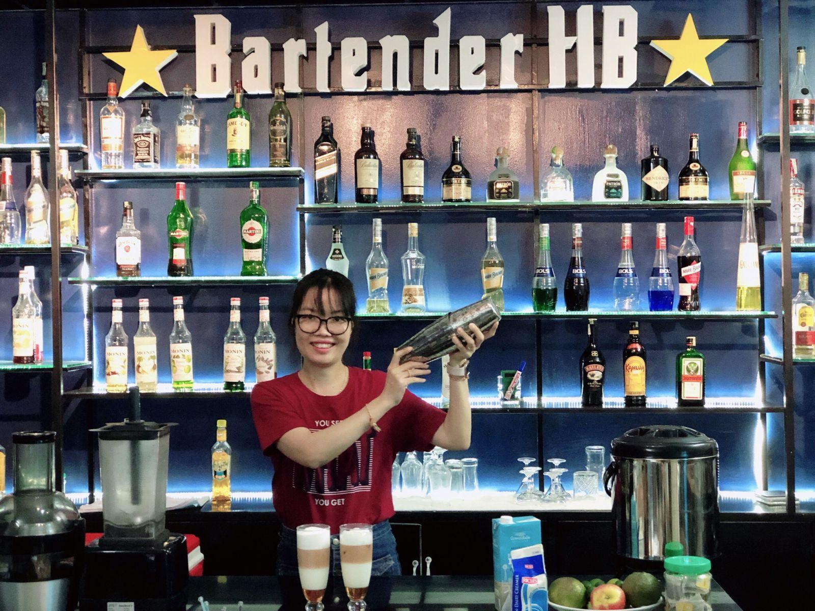 hình ảnh tại trung tâm pha chế Bartender