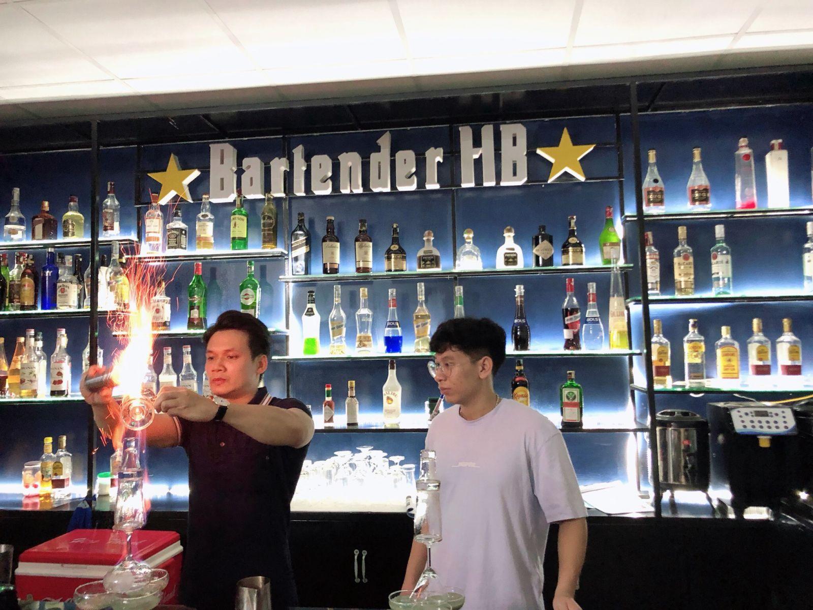 hình ảnh lớp học trung tâm dạy nghề pha chế Bartender