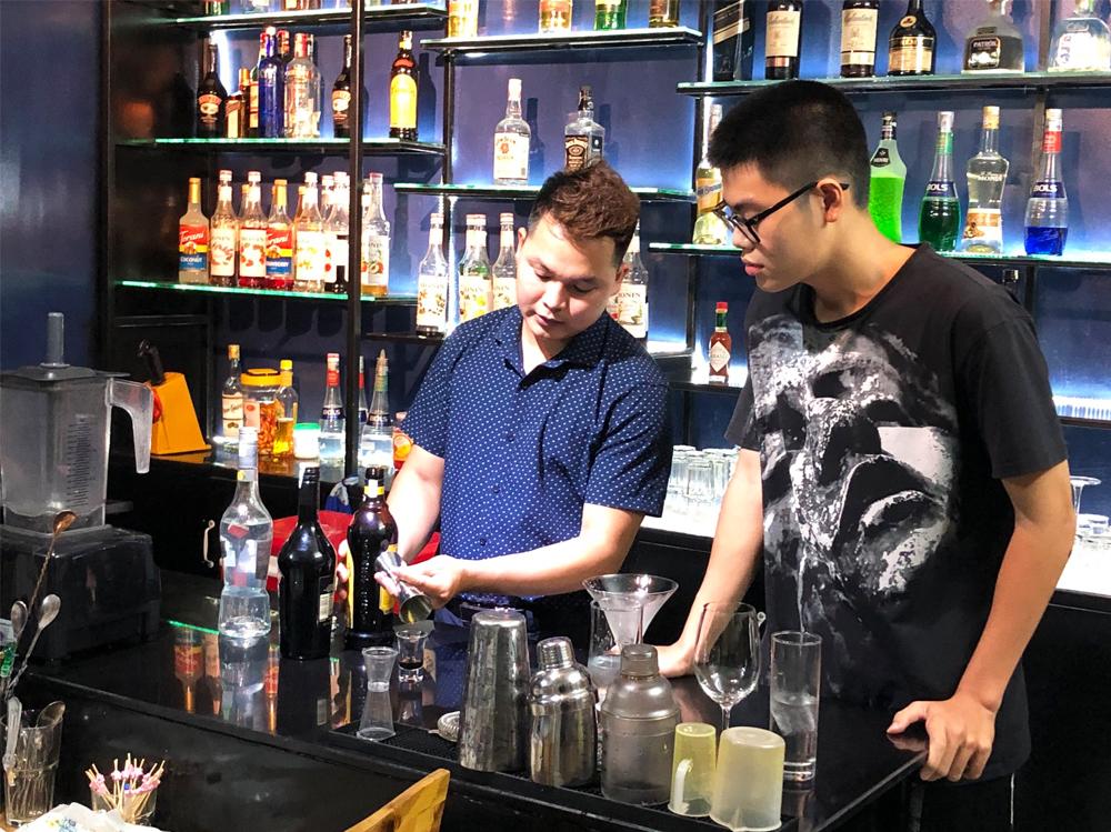 khó học bartender tại hà nội